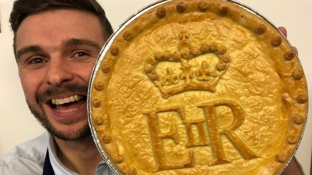 Turner's Pies receives order from Buckingham Palace ...