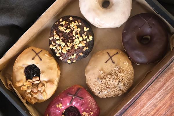 Crosstown Doughnuts trials 'dark retail' delivery hubs